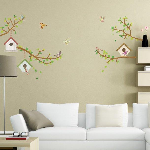 Wallstickers med grene og fuglehuse