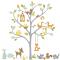 Wallsticker med stort træ og skovens legesyge dyr